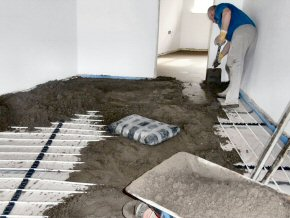 Screeding over the top of underfloor heating