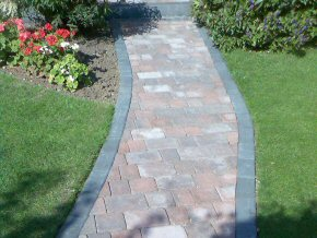 Forming block paved paths